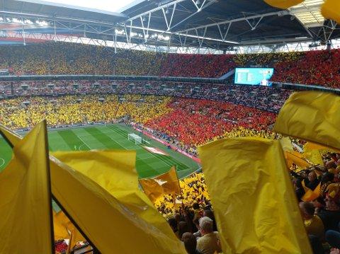 50 ÅR MED TIPPEKAMP FRA ENGLAND: Er du blant de som følger med når det er fotball på TV lørdag klokka 16?