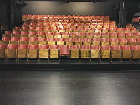 STOLE PÅ: Rjukan ville ikke ha disse stolene i 1990.