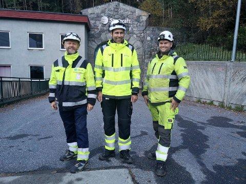 LEDELSEN: Kraftverksjef Svein Asland, vedlikeholdsleder Pål Lauluten og byggeleder Stig Engell i Statkraft får hektiske dager når hele kraftverket stoppes i ti dager.