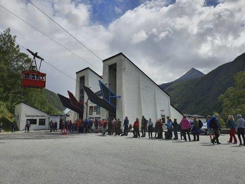 BANE: Kun seks personer på Krossobanen nå. Akkurat nå er det lavsesong, men i juli skapte tiltakene kø. (arkivfoto)