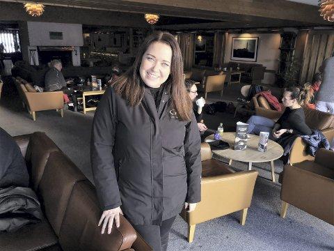 FORNØYD: Årets vinterferie har vært travel for Caroline Arbøll, markedssjef på Gaustablikk Høyfjellshotell.