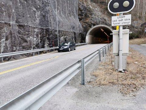 Her er tellepunktet på Tinnsjøveien - i retning Tinn (arkivfoto)