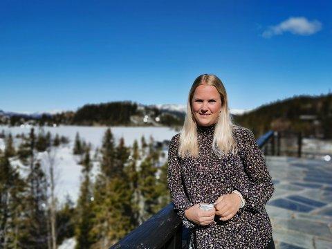 GLEDER SEG: Anette Sveinsson gleder seg til å ønske gjester velkomne til Gaustablikk igjen - to og en halv måned etter stengningen.