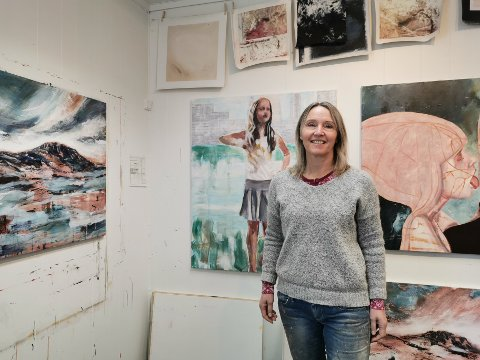 FORENING: Kunstner Liv Solberg Andersen er med i den nye Tinn Kunstforening, og de har som agenda å øke interessen for kunst.