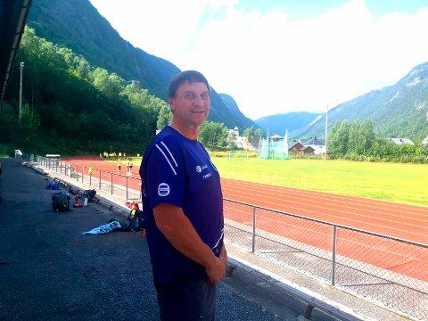 GLEDER SEG: Andres Sætre og RIL friidrett har alt klart for tidenes friidrettsfest på Rjukan.