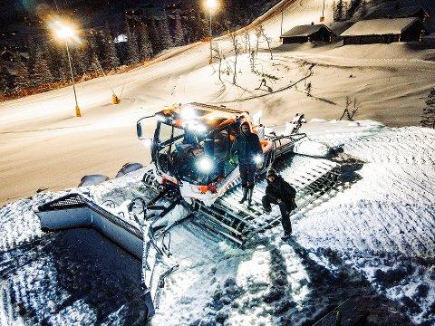 """NYDESIGNET PARK: Tobias Hvaara er parkbygger på Gausta Skisenter, og sammen med Sondre Selander har de bygget og """"shapet"""" Gaustaparken for årets sesong."""