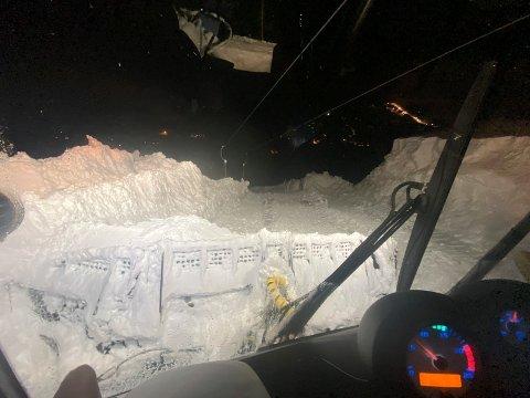 SNØ : Fyriegg var det stedet som fikk mest nedbør i hele Norge under det siste snødøgnet, ifølge Meterorologisk Institutt. Det betyr gode skiforhold i Gaustaområdet. Medarbeiderne på Gausta Skisenter jobbet utover natta for å få best mulig forhold i bakken. (foto Gausta skisenter )