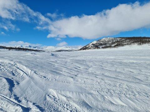 MØSVATN: Det nedbørsrike fjoråret gjør at Møsvann neppe blir bånnskapa i våres - alstå ned mot kote 900 . ØTB tror kuliminasjons punktet kommer til å ligge rundt kote 907. Her fra Møsvatn i begynnelsen av mars.