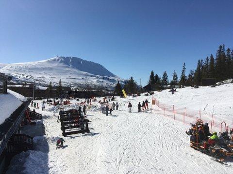 SISTE HELG: Kommer du til å savne dette om et par uker? Da kan du ta siste skituren denne helga i Gausta-området. Etter søndag 25. april tar heisene ferie.