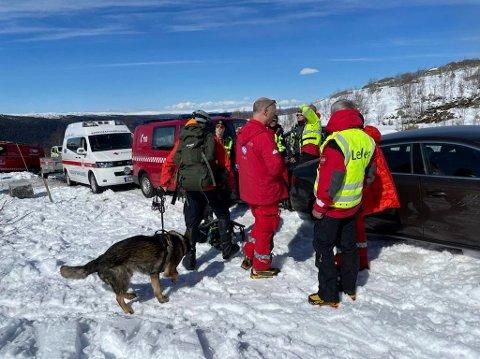 HJELPEKORPSET: Frivillige fra Tinn og Rjukan Røde Kors har så langt i år stilt opp i 12 redningsoppdrag. hvor de møter skadde pasienter og representanter fra andre nødetater. - som her 8.mai i år da det gikk et større snøskred på østsida av Gaustatoppen.