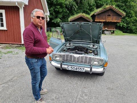 KLENODIUM: Da Stormoen stilte ut en slik Ford Taunus 20M på Rjukan i 1967 var det mange som sperret opp øyene. Nå selger Ivar Graver sin 20M, og han håper den blir værende i Tinn.