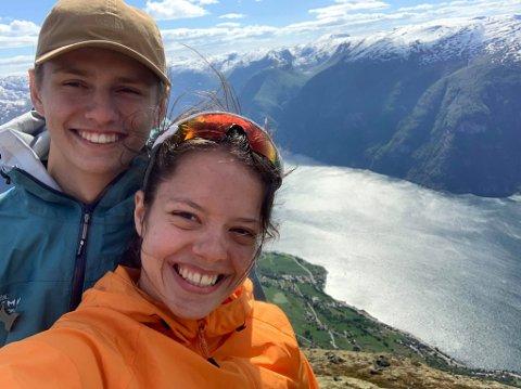 I KARANTENE: Sara Funderud Assraoui og kjæresten Isak Langeland er nå i siste fase av karantene etter de begge fikk påvist korona forrige uke. Bildet er tatt i en annen sammenheng.