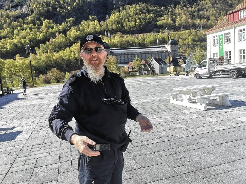FORNØYD: Bjørge Lie er fornøyd med å være fullvaksinert. Nå klør han i bassfingrene sine etter å komme seg ut for å spille blant folk.