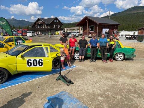 BLIDE: Tinn-gjengen er fornøyde etter helgas prestasjoner på Smådølfestivalen i Uvdal.