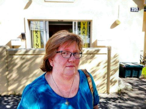 FULLVAKSINERT: Ellen Marie Pedersen er blant de 90 prosent i Tinn som takket ja til vaksine.