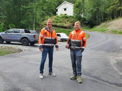 AVSLUTTER: Johannes Alseth og Torbjørn Brekka i Brødrene Alseth AS var på sluttbefaring i Tveitolia og mener det er blitt veldig bra.