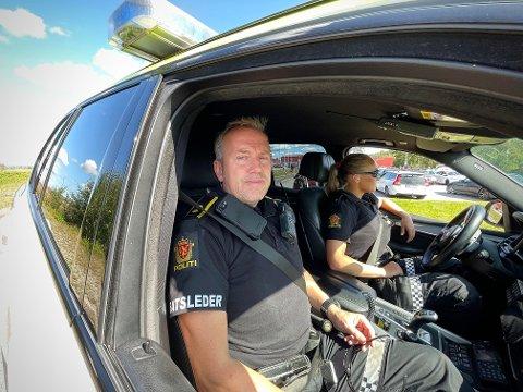 Innsatsleder Øyvind Larsen er på vakt. Politiet har satt inn ekstra ressurser ikveld.