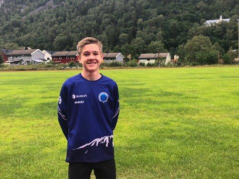 KNUSER ALLE: Ingen gutter under 15 år har noen gang på Rjukan løpt så fort som Jens på verken mellom- eller langdistanse.