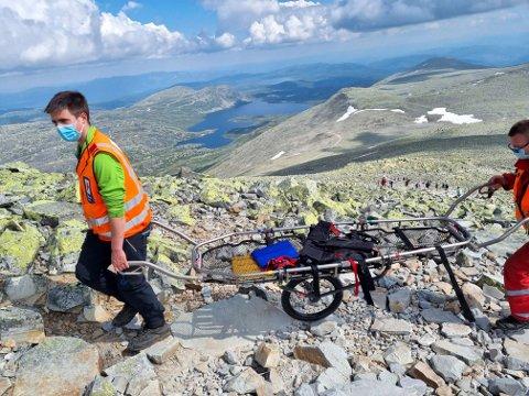 GODE HJELPERE: Dette er Hjelpekorpset sitt nye hjelpemiddel (foto Rjukan og Tinn Røde Kors)