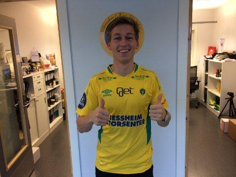 TIPP, TOPP, TOMMEL OPP: Niklas Sandberg er fornøyd med å ha signert en toårskontrakt med Ull/Kisa. FOTO: ULL/KISA FOTBALL