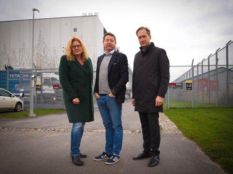 Hos Digiplex: Siri Baastad (NHO), Lars Salvesen,  Fylkesvaraordfører og Erik Lundeby (NHO) gjestet datasenteret Digiplex i Fet tirsdag.