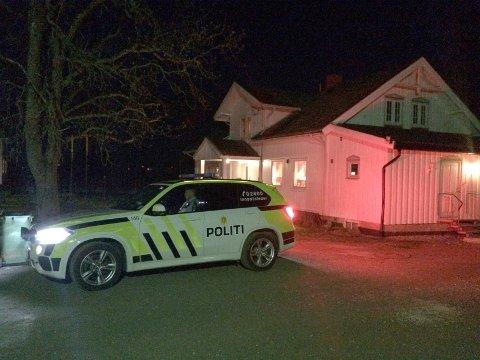 Fem personer ble pågrepet på Orderud gård torsdag kveld.