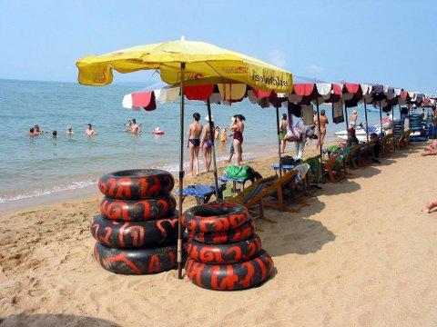 Sol og strand lokker mange nordmenn til Thailand hvert år. Foto: Stein Hallingstad (NTB scanpix)