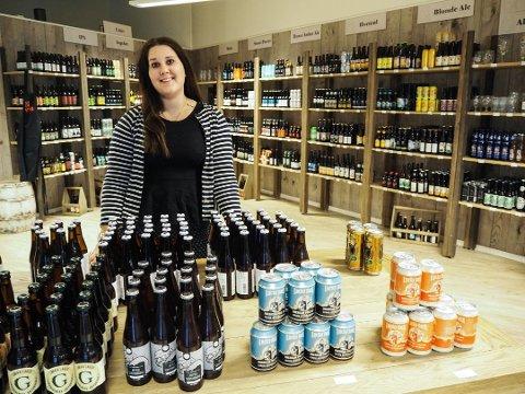 LEGGER NED: Daglig leder Thea Sofie Fredriksen ved Gulating i Larvik legger ned butikken.