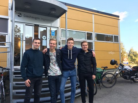 Lars Dalhaug (t.v), Kevin Berget, Torgeir Tveraaen og Olav Nordstoga Torgersen etterlyser mer informasjon om testing av kjønnssykdommer.
