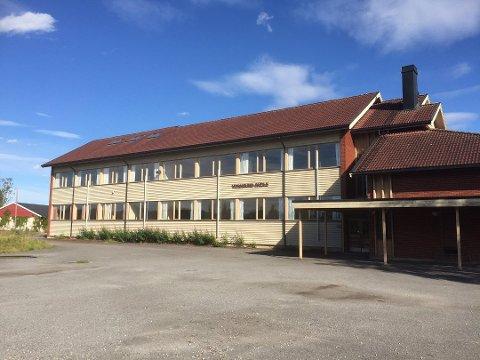 RIVES: Fire år etter at det ble vedtatt skal Vormsund barneskole rives.