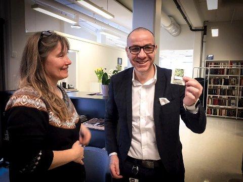 SPURTE OM HARDFØR PLANTE: Ullensaker-ordfører Tom Staahle fikk med seg en pose sukkererter.