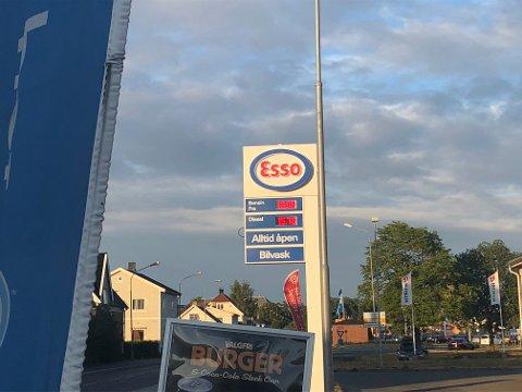 Esso i Lillestrøm mandag ettermiddag. FOTO: MARTE HOEL ROMSKAUG