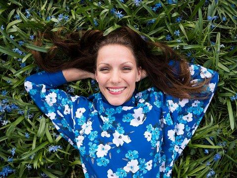 I sommer har Mari Haugen Smistad ladet opp til rollen som Gunhild i bymusikalen «Da verden kom på skinner».