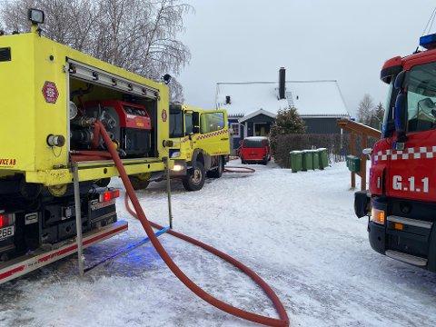RØYKSKADER: En stikkontakt skal være årsaken til røykutviklingen i boligen på Minnesund fredag morgen.