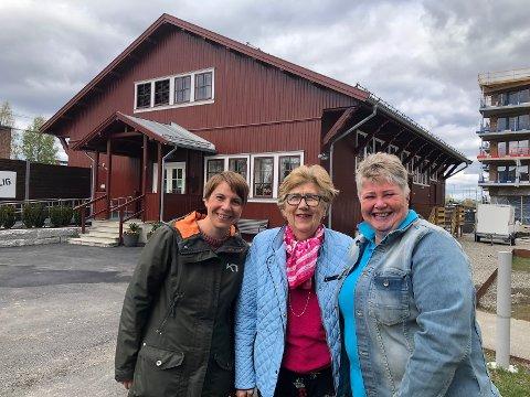 Gleder seg til matfestival! Fra v: Christine Haakstad (Ullensaker kommune), Anne-Lise Lund (Ullensaker bygdekvinnelag) og Rita Fjeld Hovden (Ullensaker Frivilligsentral).