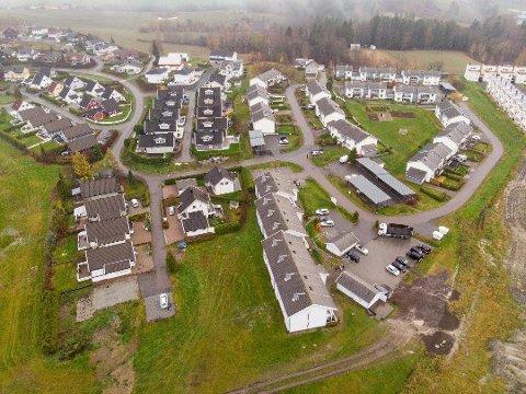 STØTTER INNLØSNING: Politikerne i Skedsmo står ved vedtaket om utkjøp av de 22 boligene i Brånåsdalen, til tross for at rådmannen nylig har foreslått å droppe innløsning. Foto: Vidar Sandnes