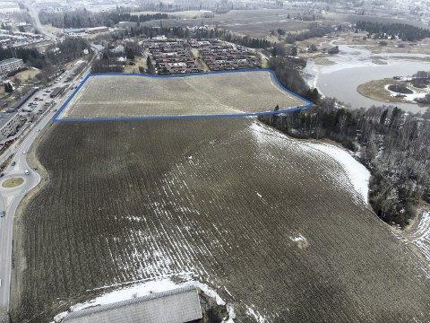Her vil de bygge: På dette markerte området ønsker AIL Skjetten sportsklubb bygge framtidige idrettsanlegg på Nordbyjordet. Foto: Vidar Sandnes