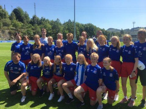 Stjernemøte: Lørenskogs J14-lag takket ikke nei da Real Sociedad inviterte til møte med Martin Ødegaard. Alle foto: Privat