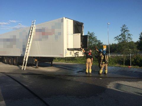 SLUKKET: Brannen i lastebilhengeren ble slukket raskt- ifølge brannvesenet.