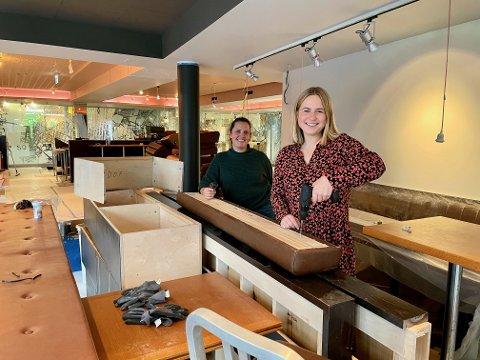 GLEDER SEG: Den nyansatte restaurantsjefen Vanila Bergstrøm og daglig leder Vilde Bauer Andreassen gleder seg til åpningen av restauranten Munnfull i desember.