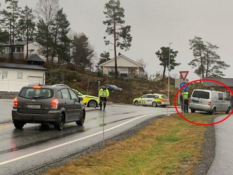 STANSET: Føreren av varebilen til høyre i bildet fikk førerkortet beslaglagt etter å ha blåst til over lovlig verdi, opplyser politiet.