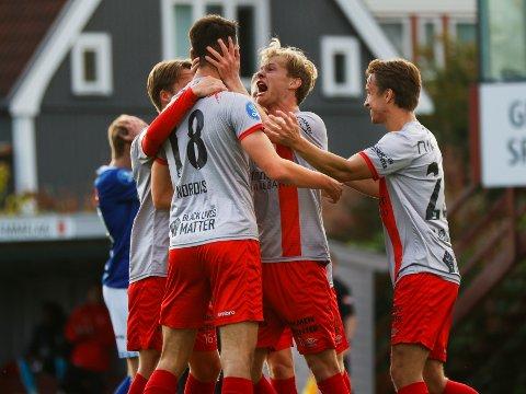 JUBEL: Strømmen kunne juble for 3 meget viktige poeng i bortekampen mot Åsane mandag.