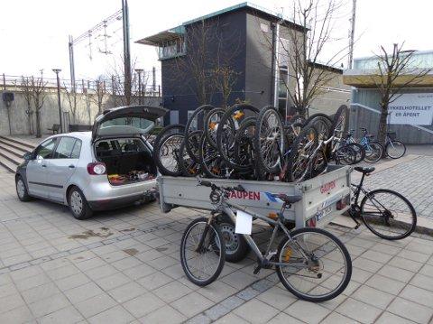 FJERNET: Det var ikke få sykler som ble tatt med vekk fra stasjonsområde.
