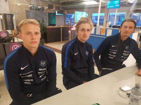 SKUFFET: Jørgen Kolstad (t.v), Ulrich Ness og Andreas Vedeler var noe skuffet etter kampen søndag. Sistnevnte spilte sin første kamp i Turn-trøya og leverte sakene sine bra.