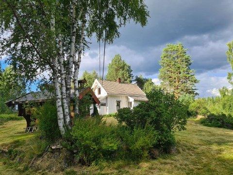BILLIG BOLIG: Eiendommen som Torunn Vinjarvold skal selge har prisantydning 1.750.000 kroner.