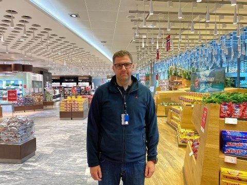 VAKSINEHÅP: – Vår framtid er fullt og helt i hendene på vaksineringen, sier kommunikasjonssjef Haakon Dagestad.
