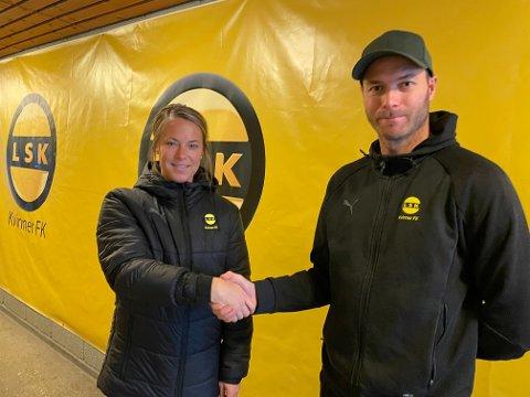PÅ PLASS: Fredag var Johanna Almgren på plass for å hilse på sin nye klubb. Her er hun sammen med hovedtrener Knut Slatleim.