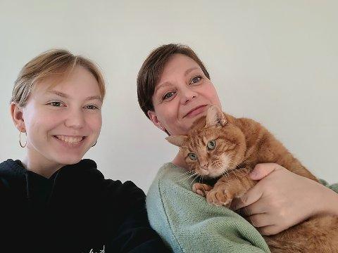 GJENFORENT: Timi er nå tilbake hos matmor Wibeke (t.h.) og Selina Riise.