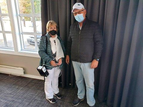 Eva og Jan Pedersen fra Eidsvoll har ikke følt seg så utsatt for smittefare noen gang det siste året som etter at de landet på Gardermoen lørdag.