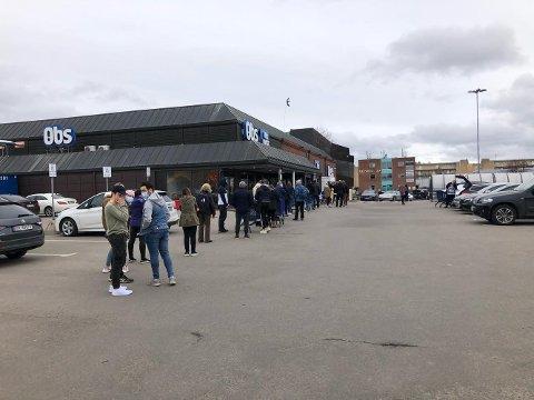 KØ: Mange valgte å ta turen innom Obs Lillestrøm onsdag.